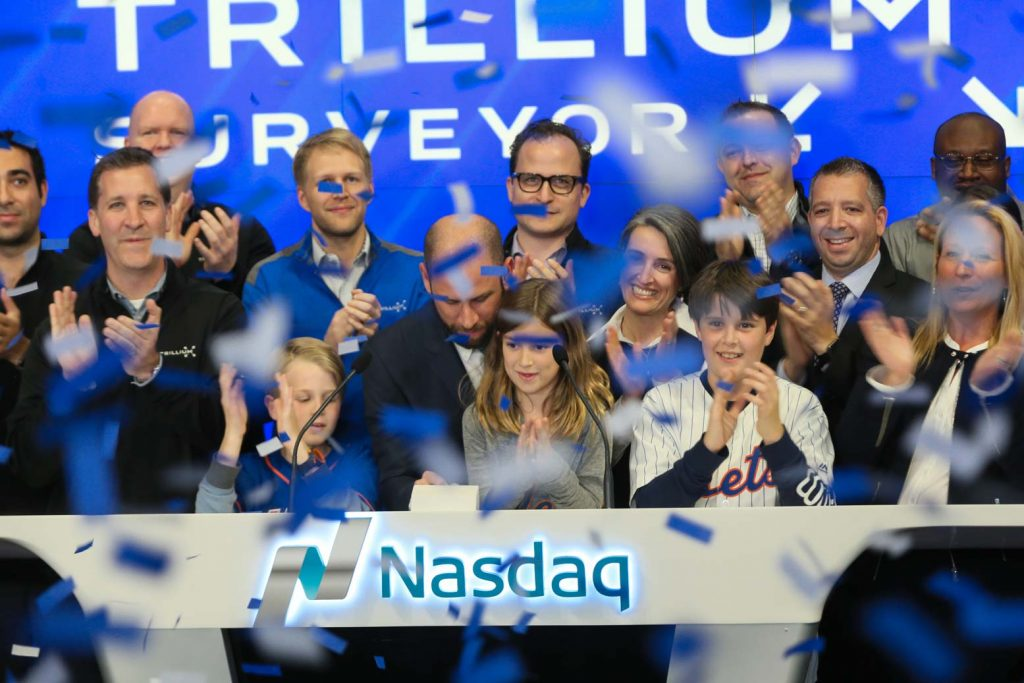 surveyor-nasdaq-lee-maschler-signing-confetti